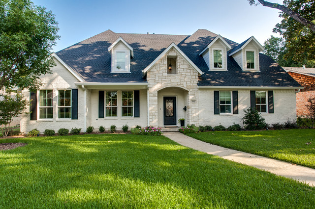 Brengate Traditional Exterior Dallas By New Leaf Construction