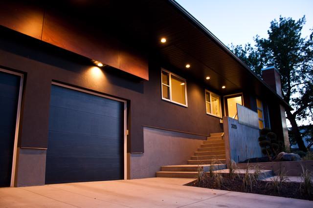 Briar Hill modern-exterior