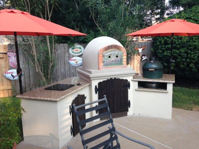Brick Pizza Oven In Outdoor Kitchen With Ceramic Kamado Grill  Traditional Exterior
