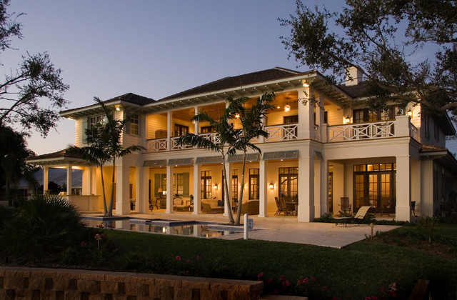 Inspiration for a timeless exterior home remodel in Miami