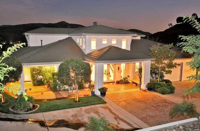 Broad Oaks Estate contemporary-exterior