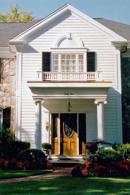 brookline residence - front entrance - dpbk.02 traditional-exterior