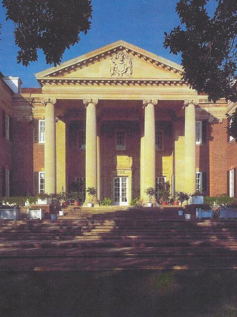 Brown Davis Interiors, Inc. traditional-exterior