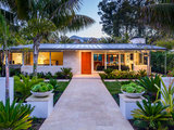midcentury exterior So You Want to Build: 7 Steps to Create a New Home (8 photos)