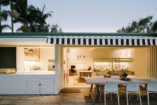 Byron bay beach studio beach style exterior sydney for The balcony bar restaurant byron bay nsw