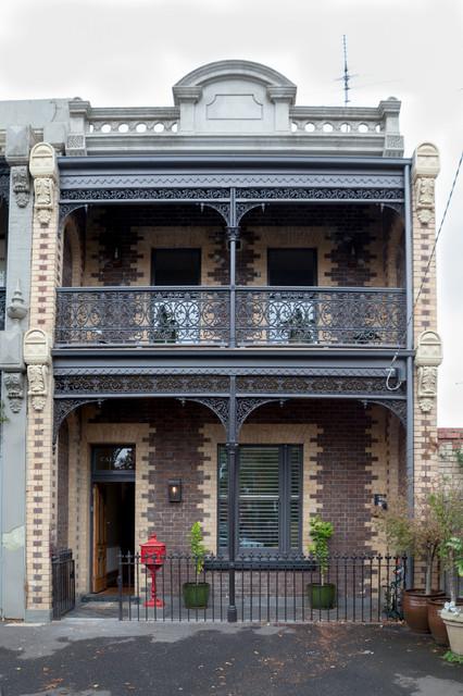 Caldera victorian exterior melbourne by cactus for Decoration porte tardis