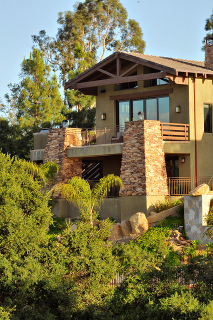 California Hillside Craftsmen Traditional Exterior