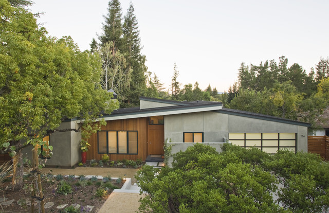 California Low Profille modern exterior