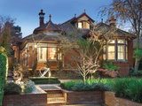 traditional exterior Roots of Style: The Historic Australian Brick House (10 photos)