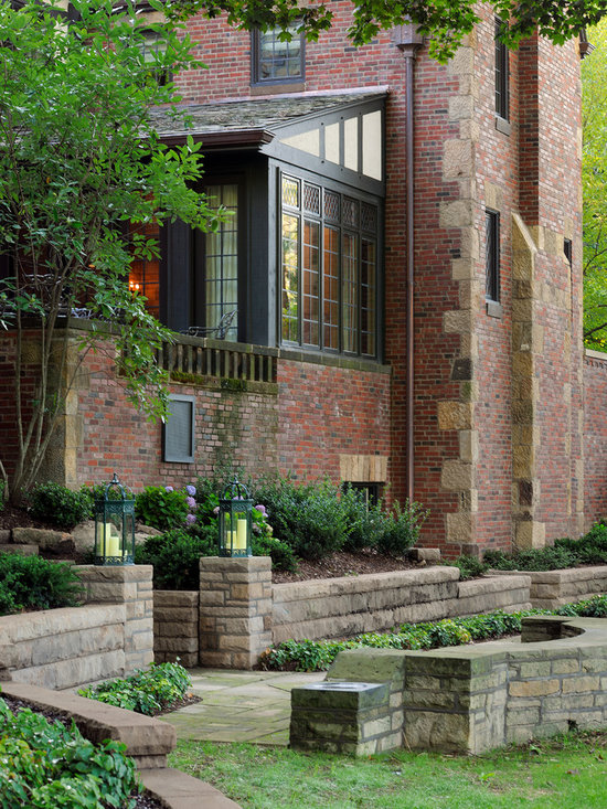 Mix brick and stone home design ideas pictures remodel for Mixing brick and stone exterior