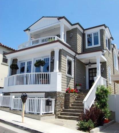Cape cod architecture traditional exterior los for Cape cod house remodel