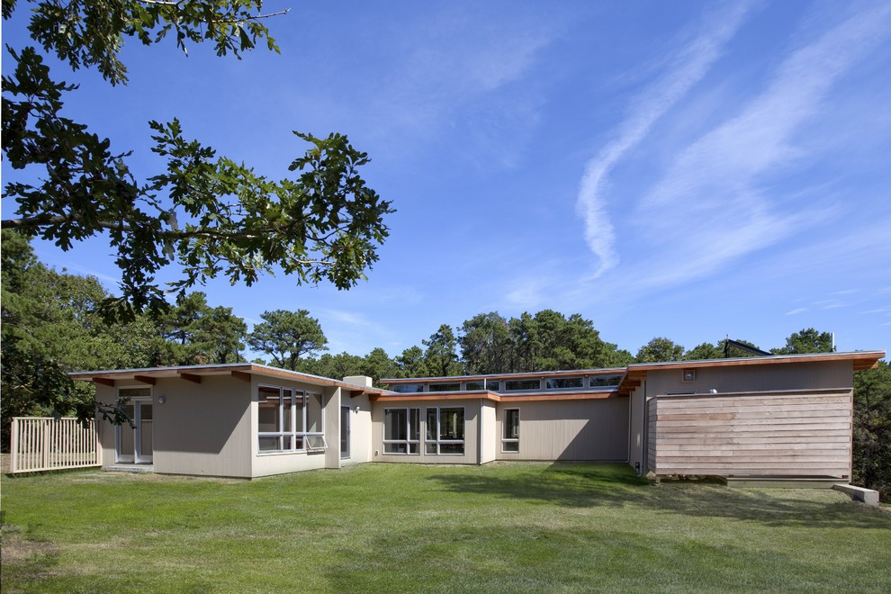 Example of a 1950s exterior home design in Boston