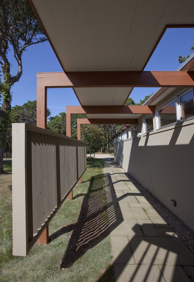 Inspiration for a 1960s exterior home remodel in Boston