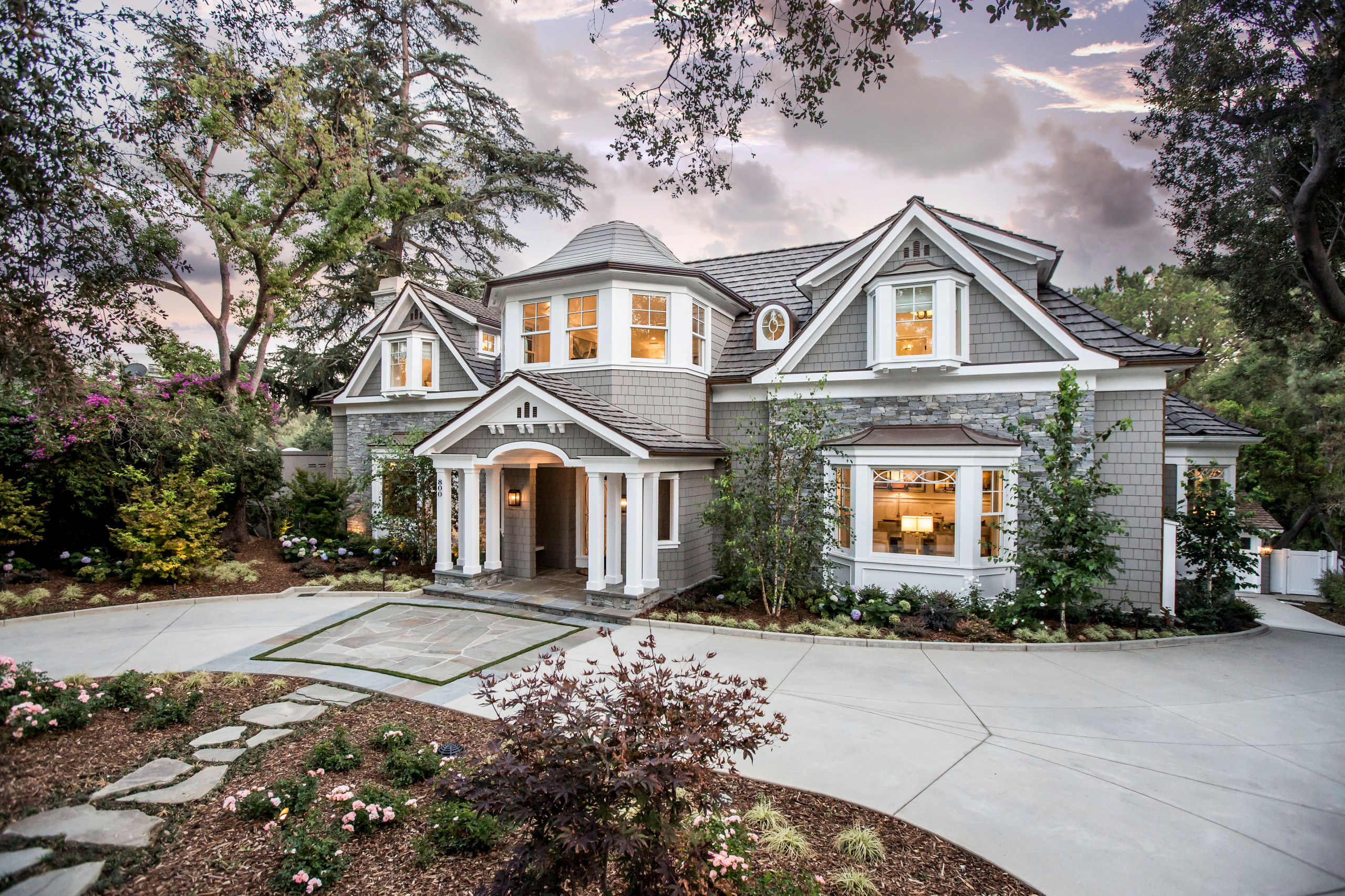 Cape Cod Residence in Pasadena