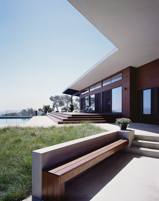 Cary Bernstein Architect  Ridge House modern exterior