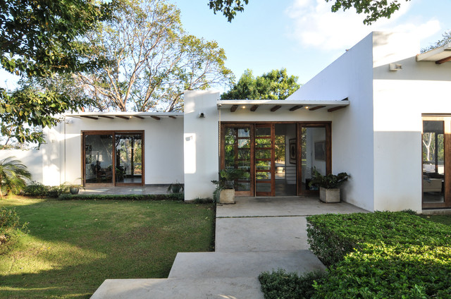 Casa Balcones Transitional Exterior Other By