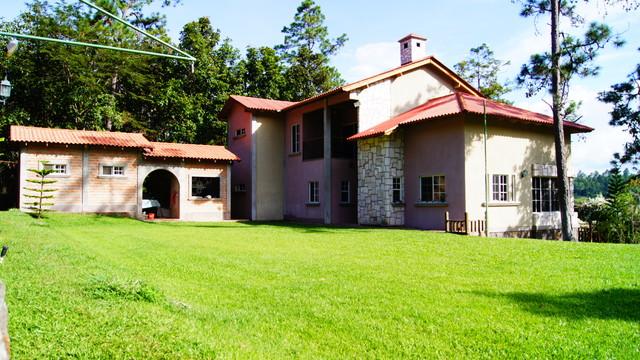 Casa de Campo Villa ORIA rustic-exterior