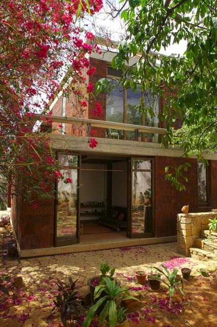 Casa Estudio contemporary-exterior