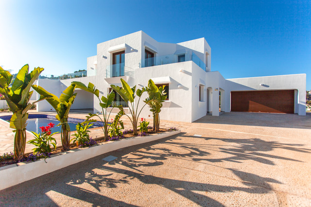 Casa menta mediterr neo fachada alicante costa for Piscina marva