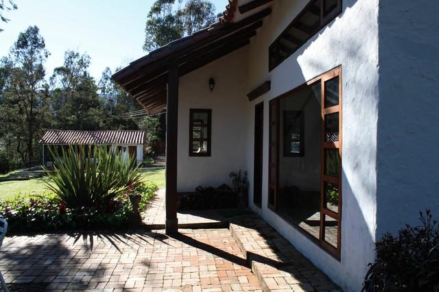 Casa Nanela traditional-exterior