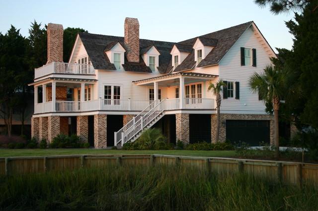 Catalyst Architects, LLC beach-style-exterior
