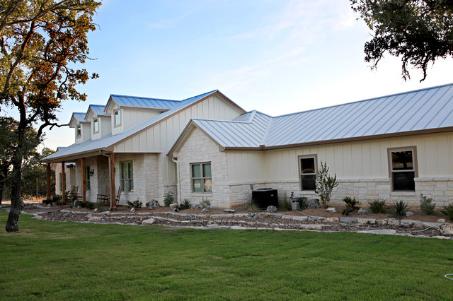 Cater hill country ranch traditional exterior Custom made houses