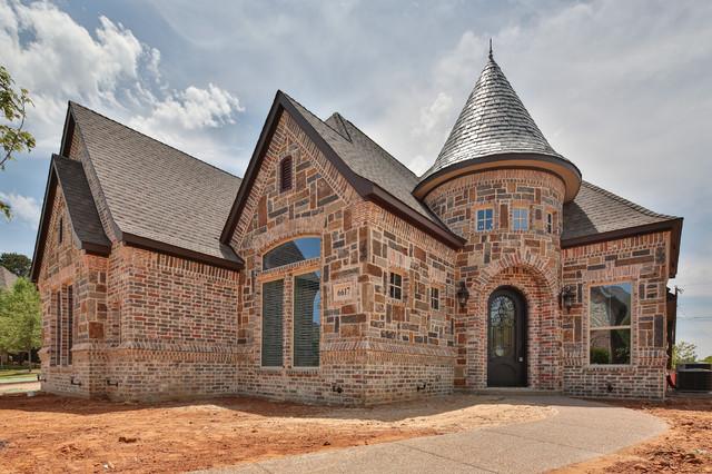 Example of a classic exterior home design in Dallas