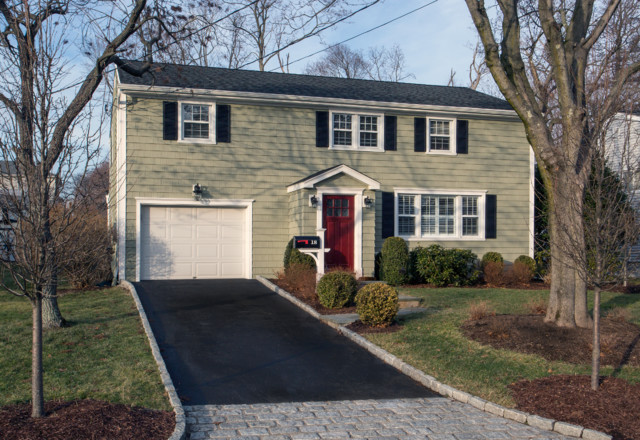Certainteed cedar impressions vinyl siding stamford ct for Cypress color vinyl siding