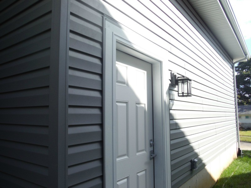 Certainteed Charcoal Gray Vinyl Siding Brentwood Mo 63144 Traditional Exterior St Louis By Siding Express Maintenance Free Siding