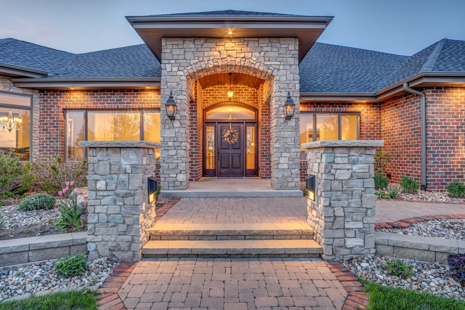 Certified Luxury Builders - Deffenbaugh Homes - Sioux Falls, SD - Custom Home D