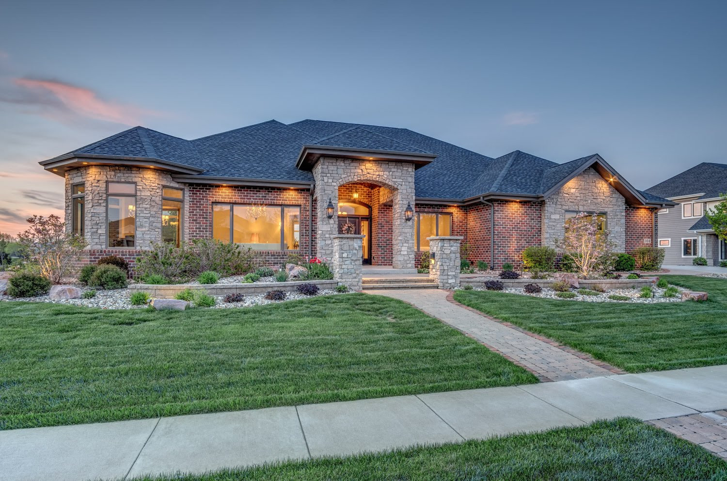 Certified Luxury Builders-Deffenbaugh Homes-Sioux Falls,SD-Honors Custom Home A