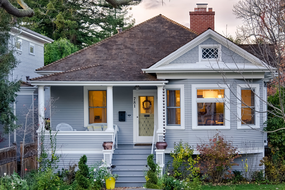 Small traditional gray one-story wood exterior home idea in San Francisco