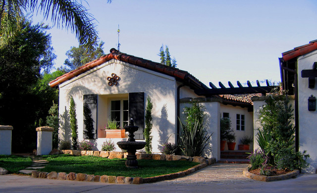 Charming Spanish Style Courtyard and Home in Montecito, CA ...
