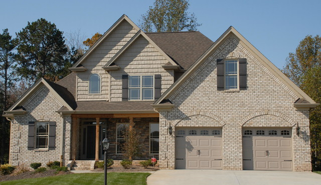 Chesapeake Pearl Oversize Tumbled Traditional Exterior