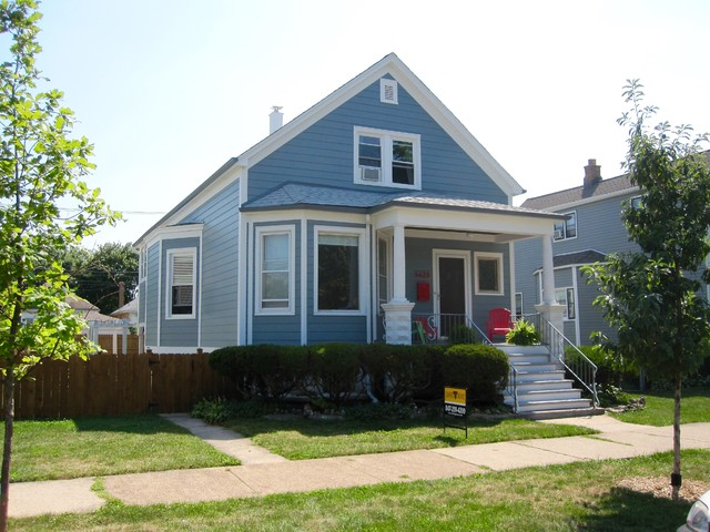 Chicago IL Farm House Integrity from Marvin Windows & James Siding Proje