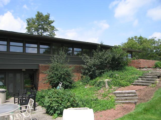 Chicago mid-century modern-exterior