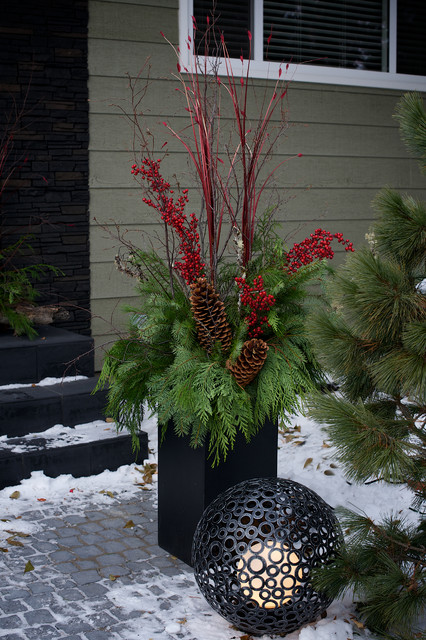 Decorating Ideas > Christmas In Edmonton, Alberta Canada  Contemporary  ~ 101404_Christmas Decorating Ideas For Outdoor Pots