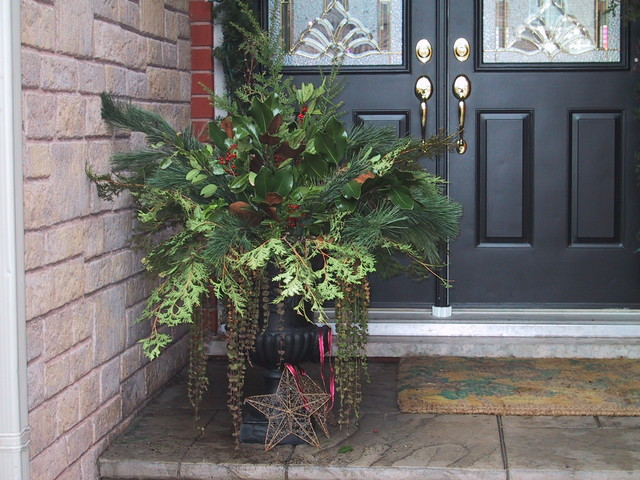 Christmas Urn traditional-exterior