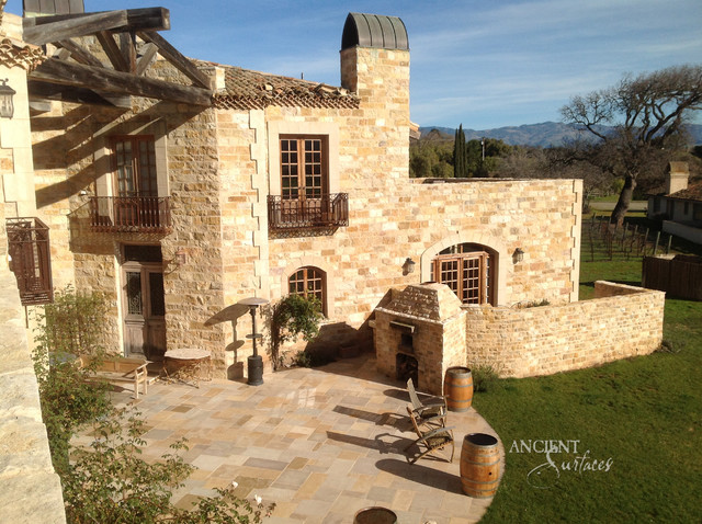Cladding Stone Wall Veneers The Antique U0027Mesa Limestoneu0027 Mediterranean  Exterior