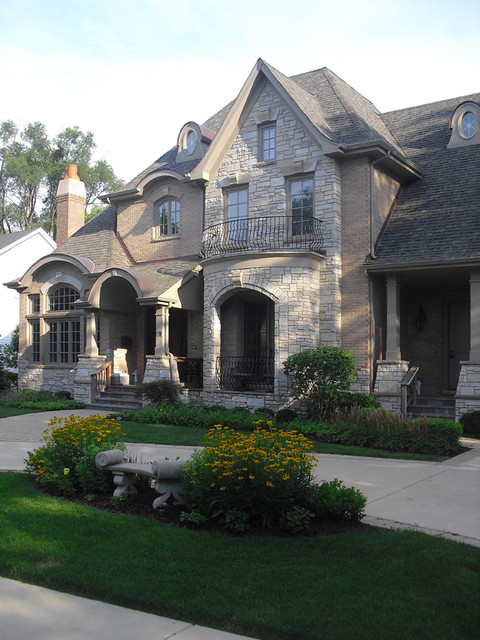 Clarendon Hills traditional-exterior
