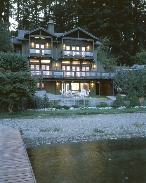 Seattle architect Scott Hommas' craftsman style lakefront project.