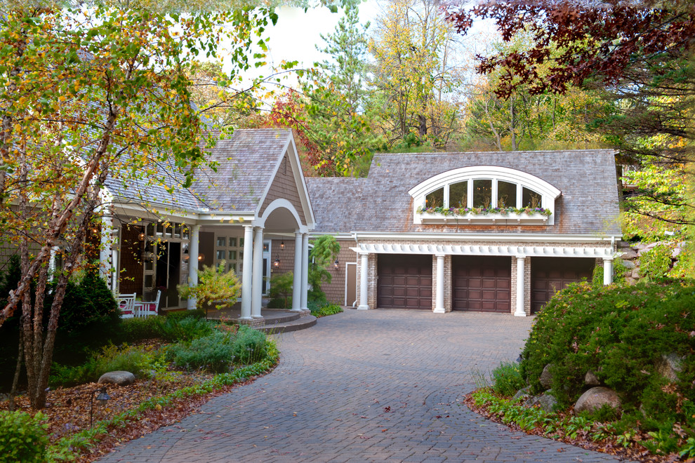 Example of a mid-sized classic exterior home design in Minneapolis
