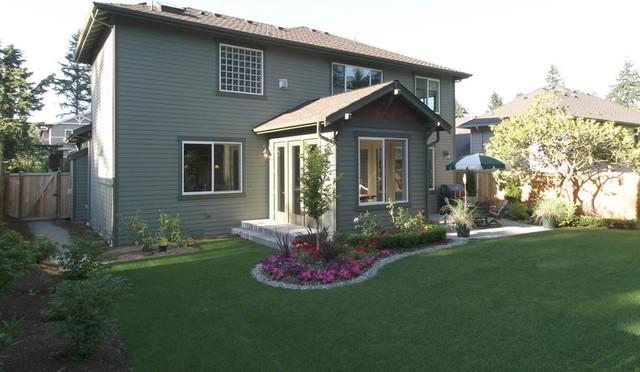 Clyde Hill Custom (Bellevue) traditional-exterior