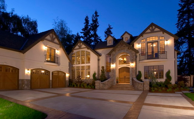Clyde Hill Custom traditional-exterior