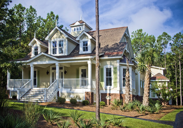 Coastal Traditional traditional exterior