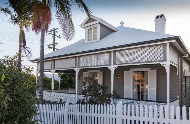 Colonial Queenslander repaint - Albion, Brisbane