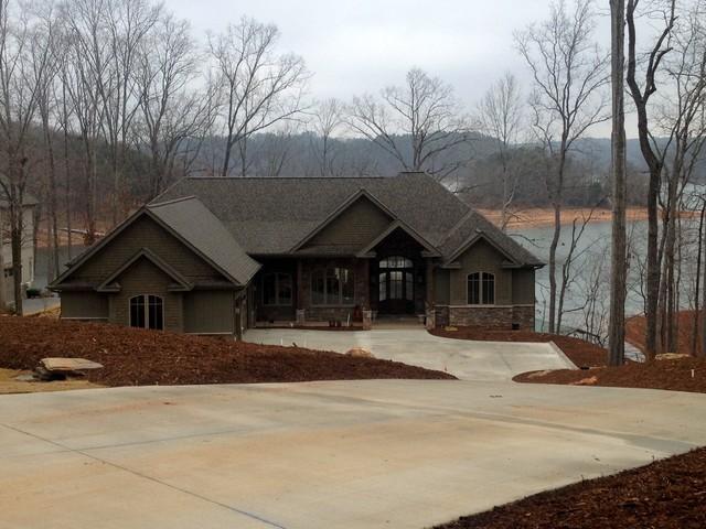 Comfortable Lake Living traditional-exterior