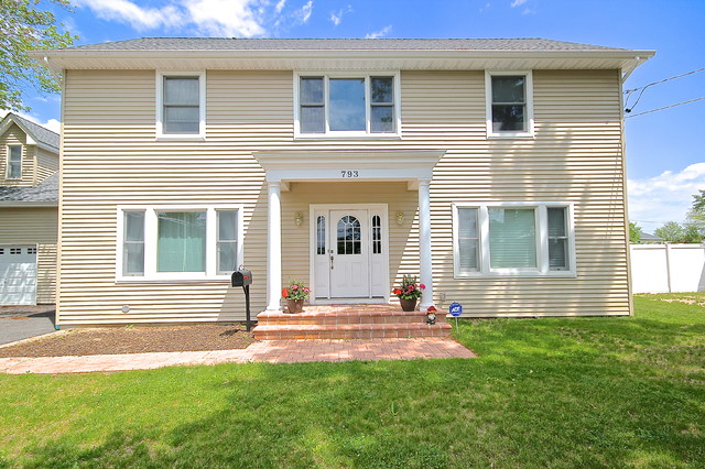 Complete New Home Construction In Seaford Ny