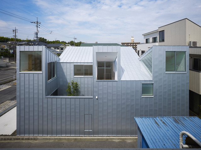 modern exterior by Tomohiro Hata Architects & Associates