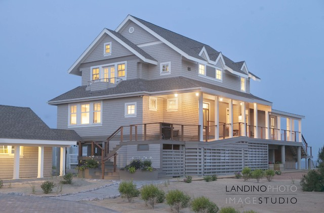 Connecticut beach house design award winner ct cottages for Beach style house exterior
